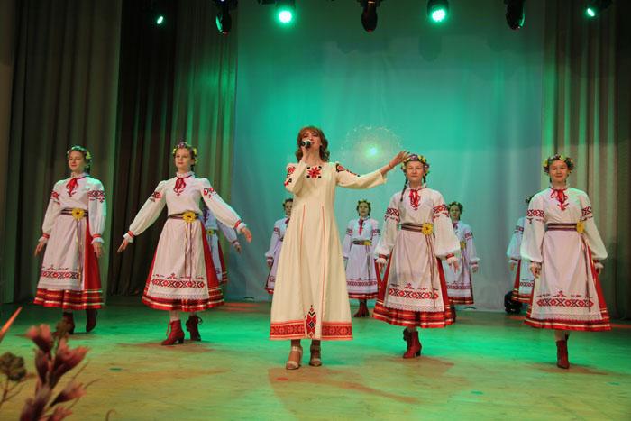 В Мостах состоялось торжественное мероприятие, посвящённое Дню работника сельского хозяйства