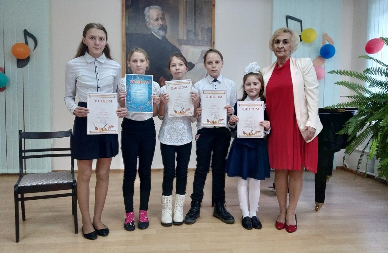 21 декабря в школе искусств состоялся конкурс на струнно-народном отделении!